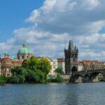 Работа в Чехии: как найти, кем устроиться и сколько можно заработать?